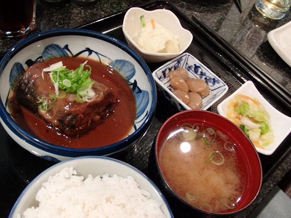 日本食レストランでの定食