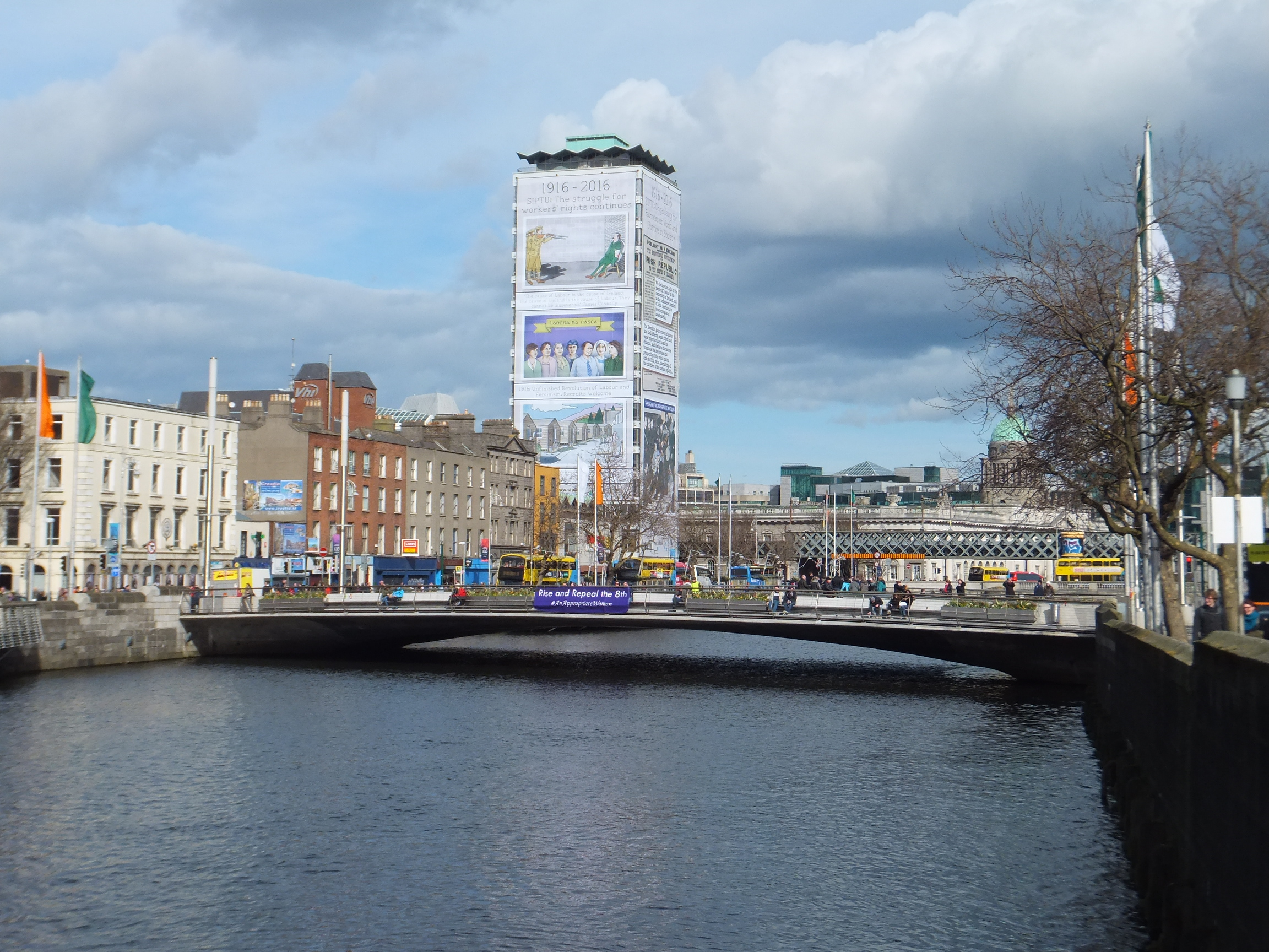 リフィーDublin City Liffy River & Liberty Hall